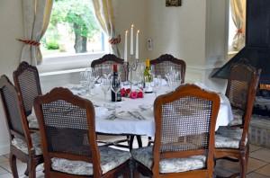 Renaissance - Dining Area