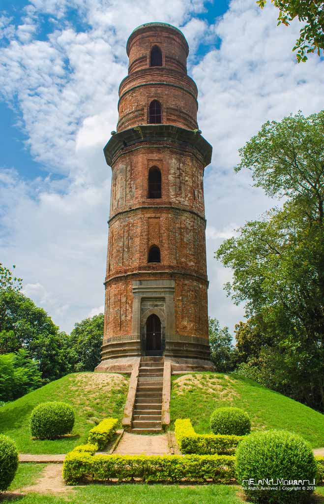 The Oustanding firoz Minar Photo by: Mousam Samanta
