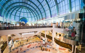 SHOPPING+-+The+main+foyer+in+The+Mall+of+the+emirates