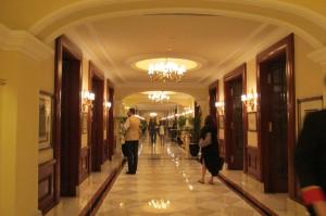 itc maurya new delhi lobby