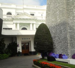 Sri Lanka Hotels: garden flowers of the Mount Lavinia Hotel